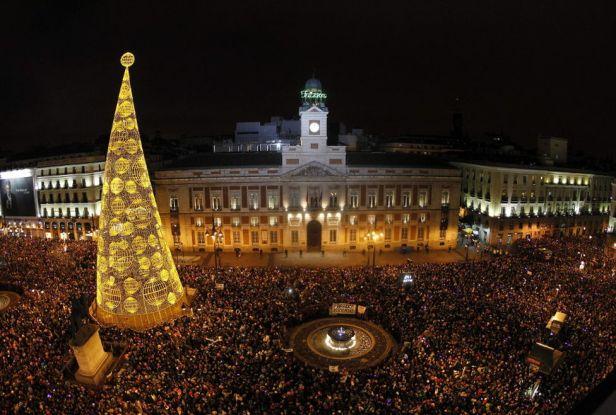 espana-fin_de_ano-celebraciones-2014_Puerta_del_Sol_MILIMA20131231_0253_3